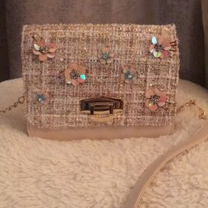 Handbags - NWOT Beautiful pink shoulder purse